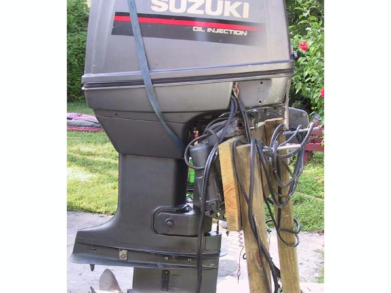 Suzuki dt 140 hp outboard motor second hand 67704 inautia for 85 hp suzuki outboard motor for sale