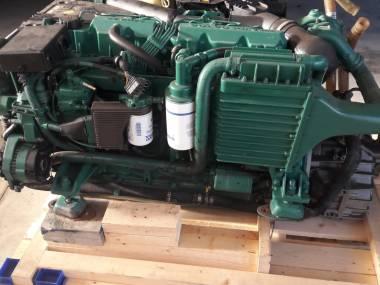 2 MOTORES VOLVO PENTA KAMD44P-C Engines