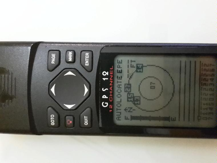 Sailing Yacht A >> GPS MODELO GARMIN 12 CHANNEL second-hand 70686 - iNautia
