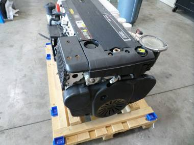 TWO MARINE ENGINE VOLVO D6 OF 435 HP Engines