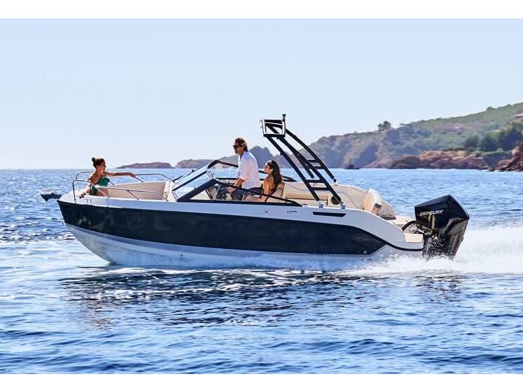 Quicksilver Activ 675 Bowrider Open boat