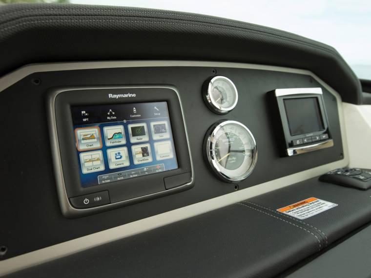 Boat Sea Ray 300 SLX | iNautia com - iNautia
