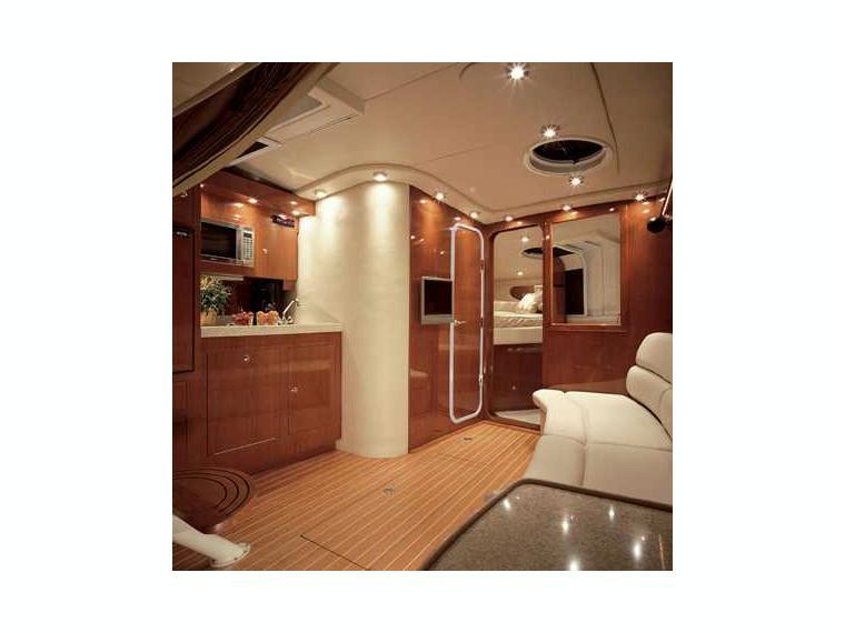 boat regal 3760 io commodore inautia. Black Bedroom Furniture Sets. Home Design Ideas
