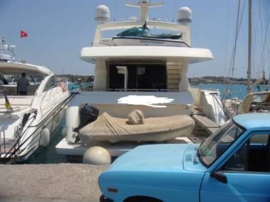 Ferretti Yachts 76