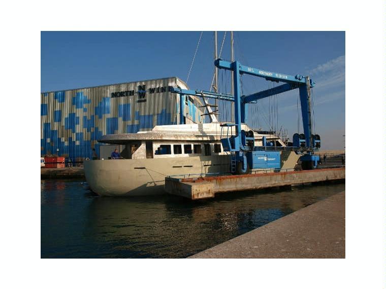 Boat monty north 31 5 motor inautia for Extreme motors monroe la