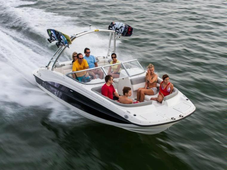 Bayliner 215 Deck Boat Open boat
