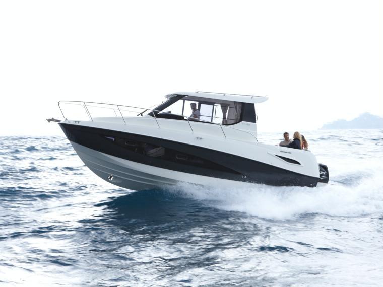 Quicksilver Activ 855 Cruiser Open boat
