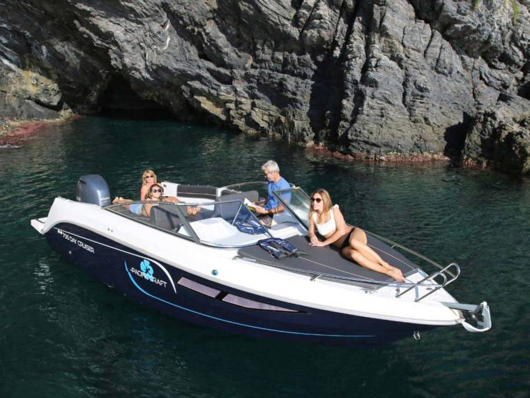 Pacific Craft 700 Day Cruiser Open boat