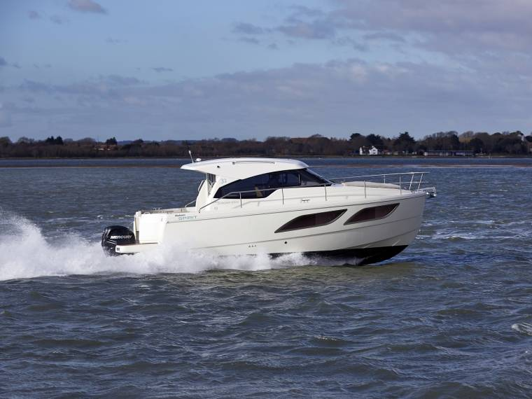 Rodman Spirit 31 Hardtop Outboard Version Cabin cruiser