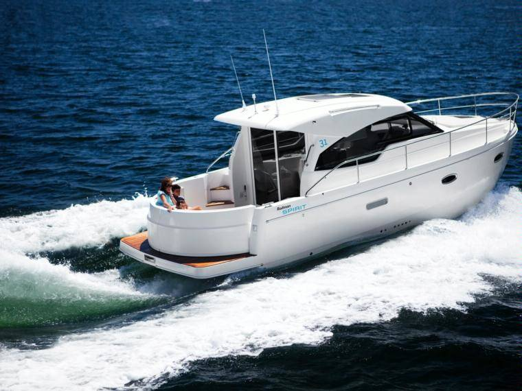 Rodman Spirit 31 Hardtop Inboard Version Cabin cruiser