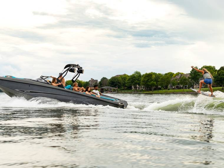 Bayliner Heyday WT-Surf Speedboat