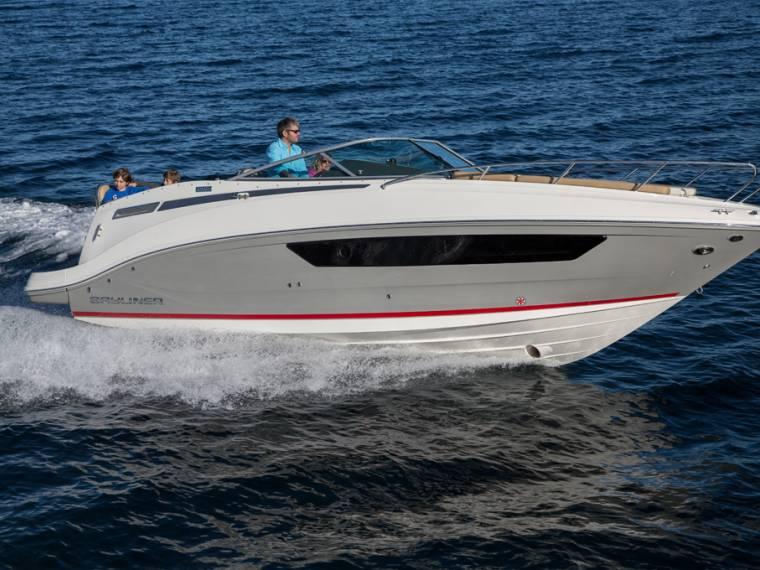 Bayliner 842 Cuddy Cabin cruiser