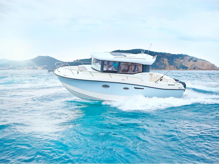 Quicksilver Captur 905 Pilothouse Fishing boat