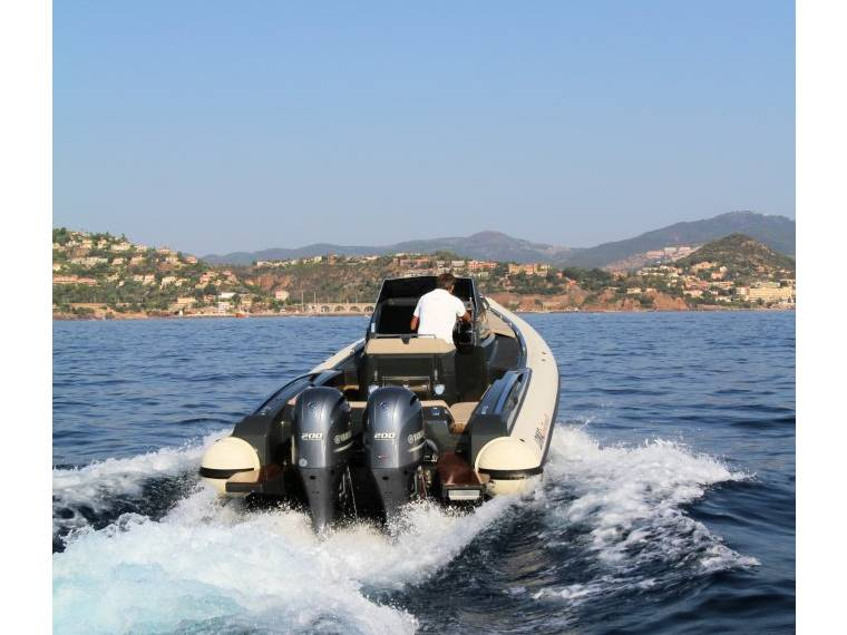 Lomac Granturismo 8.5 Rigid inflatable boat