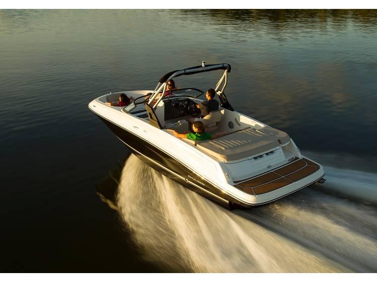 Bayliner VR5 Bowrider Open boat