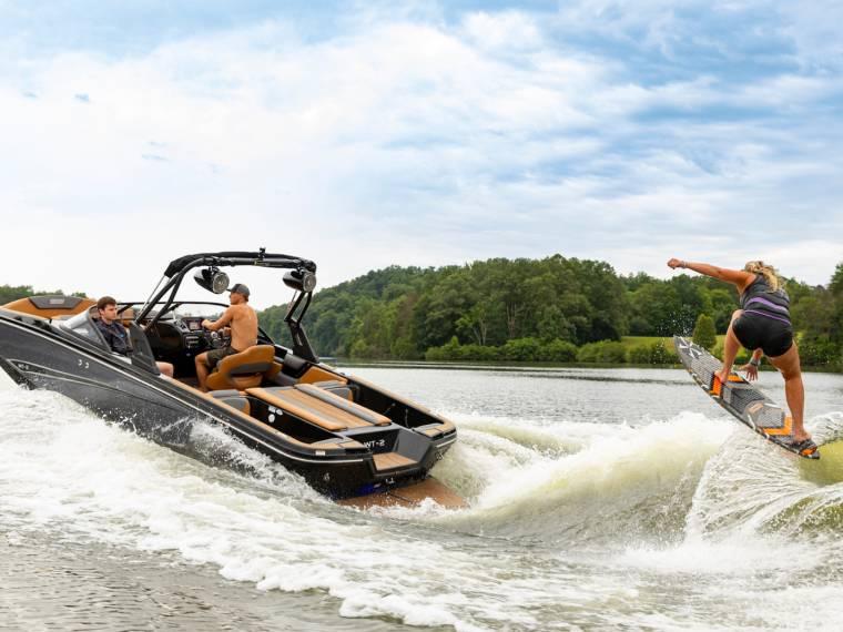 Bayliner Heyday WT-2 Speedboat