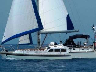 Custom Almarine Bermuda 42