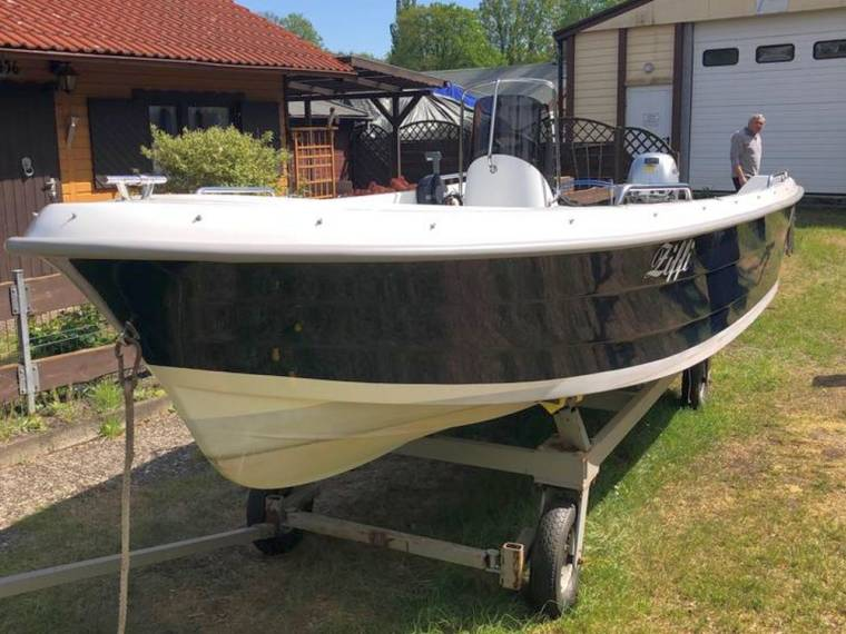 Konsolenboot  480
