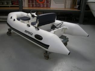 Brig Falcon 330 de Luxe