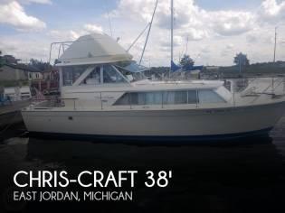 Chris-Craft 31 Commander Sedan