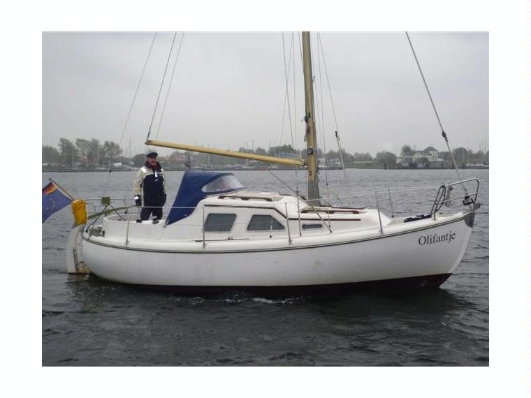 Midget 20 sailboat