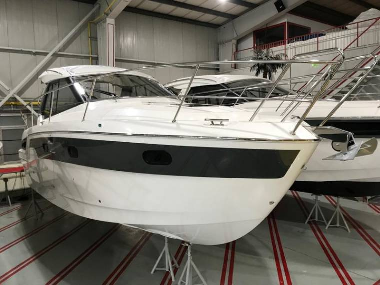 Bavaria S33 HT NEU SOFORT Motorboot