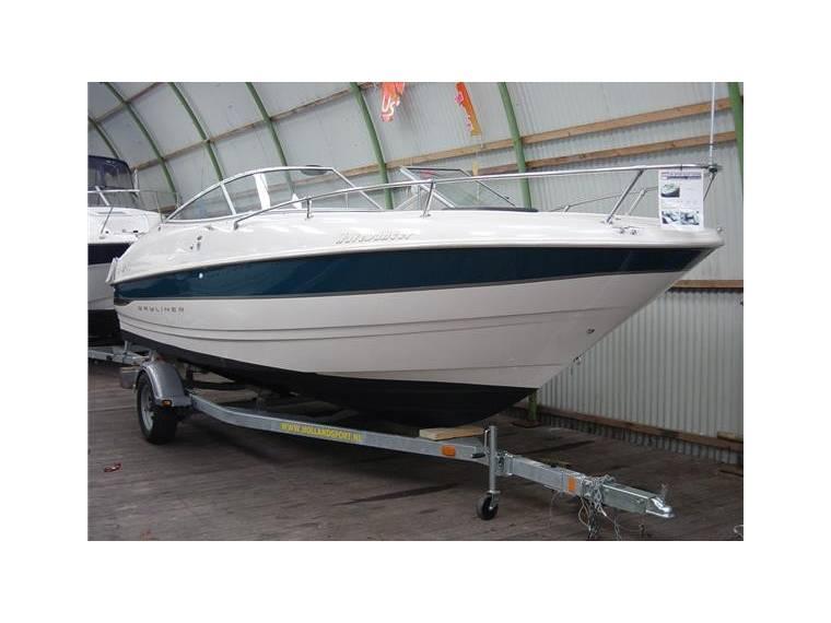 Bayliner 2352 Capri Cuddy LX in Noord-Holland | Speedboats