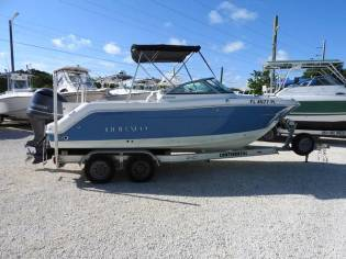 2012 R227 Robalo Dual Console fishing boat