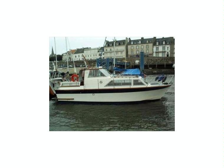 Craft fast 28 in loire atlantique power boats used 54564 for Used adventure craft 28