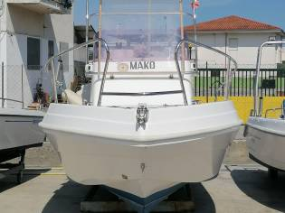 Barca Mako