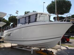 JEANNEAU MERRY FISHER 855 MARLIN (TRES PUERTAS)