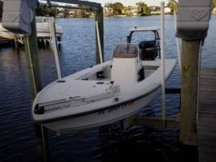 Action Marine 23 CC in Florida | Power boats used 11025