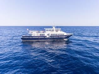 Passenger boat 30 m - 360 pax