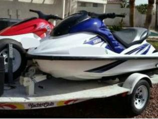 Yamaha Waverunner GP 1200 R (Pair)