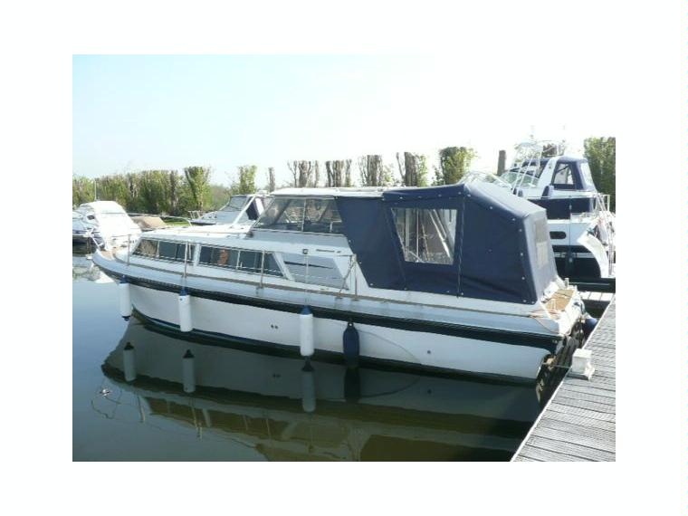 princess 32 in buckinghamshire power boats used 52981 inautia. Black Bedroom Furniture Sets. Home Design Ideas