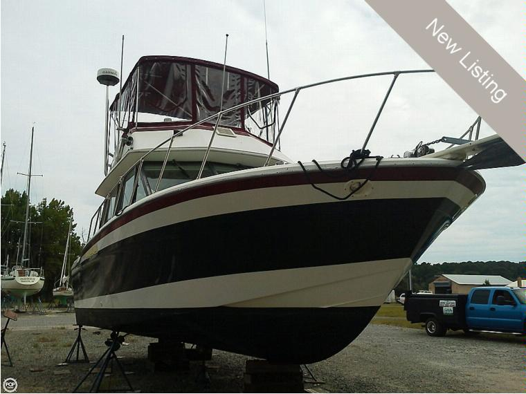 fiberform executive in florida power boats used inautia features of fiberform 3300 executive