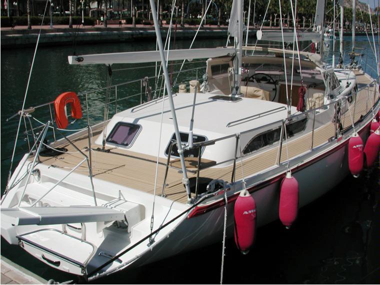 Amel 54 in Alicante   Sailing cruisers used 52576 - iNautia