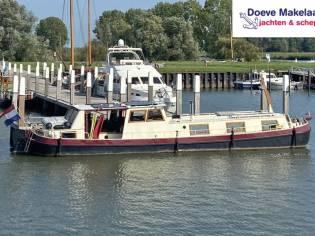 Dutch Barge 17.45