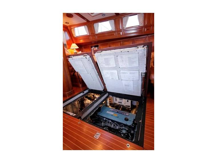 Schiomachen Sailing Cutter Motorsailer In Florida