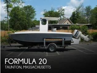 Formula 20 Center Console F200