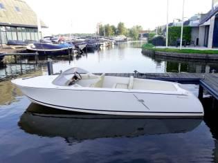 boat mazury 560 walkaround inautia. Black Bedroom Furniture Sets. Home Design Ideas