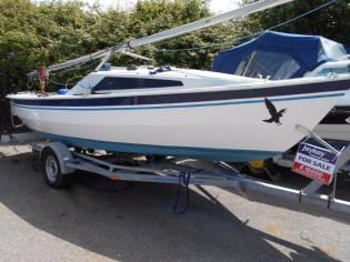 Hawk 20 Cabin Boat
