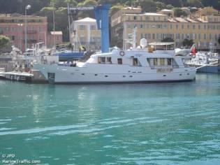custom classic in valencia motor yachts used 75454 - inautia
