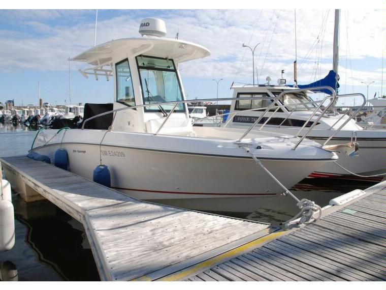 Boston Whaler 250 Outrage in Morbihan | Open boats used 69955 - iNautia