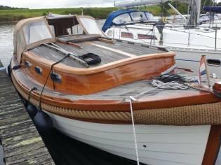 Cabin Cruiser 850