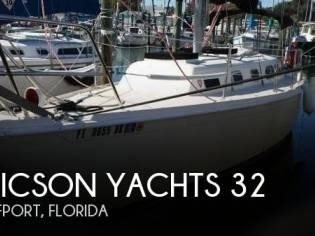 Ericson Yachts 32
