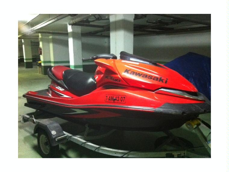 Kawasaki Ultra 250X in Puerto Deportivo de Marbella | Jet skis used