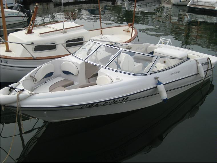 Four Winns Horizon In Port De Sitges Power Boats Used