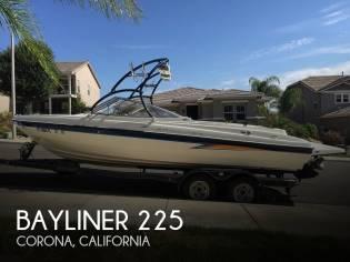 Bayliner 225