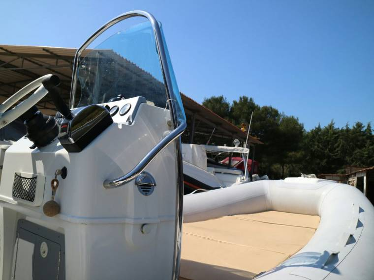 gommone pirelli pzero 600 in tuscany inflatable boats used 65210 inautia. Black Bedroom Furniture Sets. Home Design Ideas